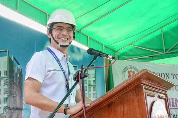 Manila Mayor Francisco Isko Moreno Domagoso leads the groundbreaking of Tondominium 1 and 2 in Vitas, Tondo on Monday (June 1, 2020) / Manila PIO