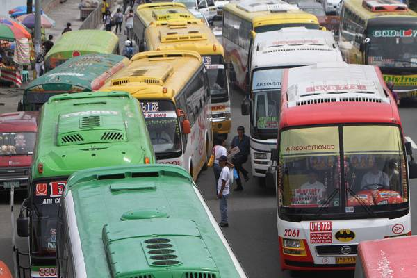 Buses in Metro Manila / Manila Bulletin