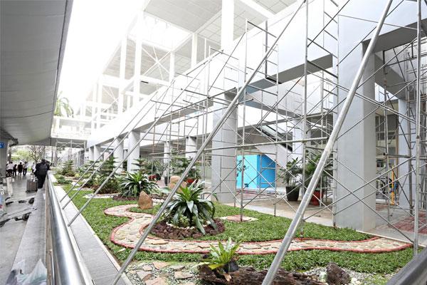 The interior of the Ninoy Aquino International Airport (NAIA) Terminal 2 under rehabilitation works / Rainier Eubra