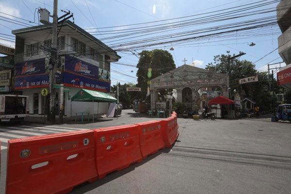 Barangay Baclaran in Paranaque City looks like a ghost town after residents were prohibited to go outside their homes on Thursday (May 21, 2020) as the local government placed the area under calibrated lockdown. Dr. Armando Arsenio Jr. of the Para%uFFFDaque City Health Office said they hope to finish the 700-900 swab testing for the coronavirus disease 2019 (Covid-19) until the end of lockdown on Saturday (May 23, 2020) / PNA