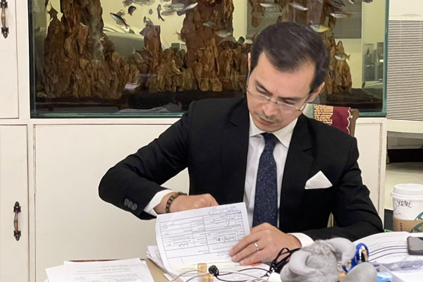 Manila Mayor Francisco Isko Moreno Domagoso signs on Friday (Feb. 19, 2021) the authorization for the release of PHP38.4 million advance payment for the Covid-19 vaccines from AstraZeneca. The amount is equivalent to 20 percent of the total amount for the purchase of 800,000 doses. (Photo courtesy of Manila PIO)