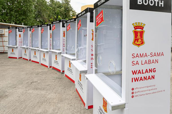 San Miguel Corporation has begun delivering Covid-19 testing booths to the cities of Mandaluyong, Pasig, and Manila, to help boost the testing capacities of all Metro Manila local government units. SMC is also donating PCR test kits to all LGUs, equivalent to 34,000 tests. SMC president Ramon S. Ang said testing should be made more accessible to people, and if possible, free for the poor. In photo at simple turnover rites are: Mandaluyong Mayor Carmelita Abalos, Pasig Mayor Vico Sotto, and Manila Vice Mayor Honey Lacuna, with San Miguel Foundation Trustee Cecille Ang.