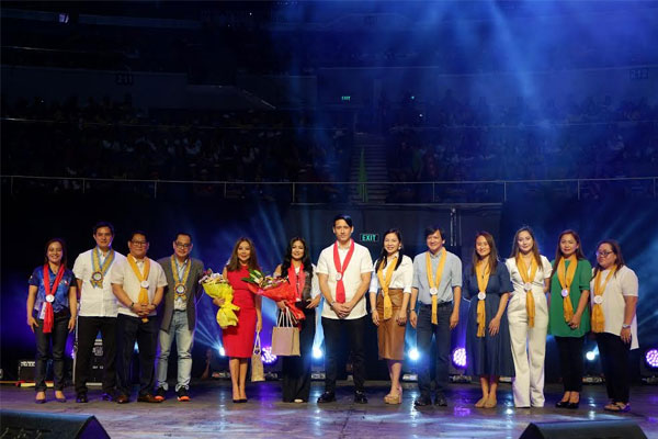 Batasan Hills NHS mentor named QCs best teacher / Quezon City PIO