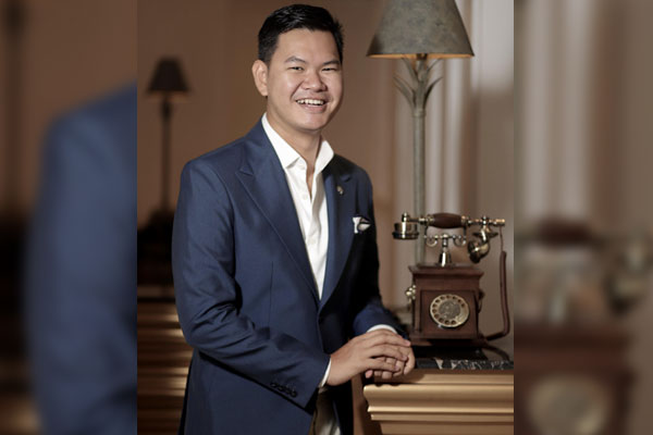Rey Moraga, a 2012 BS International Hospitality Management graduate of Enderun Colleges, has been named as one of the finalists under the category Front Office Hotelier of the Year in the prestigious Stelliers Awards 2020.