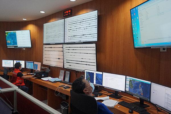 Inside Phivolcs Mindanao Cluster Monitoring Center for Earthquake and Tsunami in Davao City (Photo courtesy of Phivolcs Director Renato Solidum, Jr.)