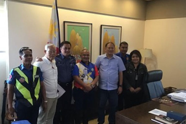 MMDA with Marikina City Officials / PNA