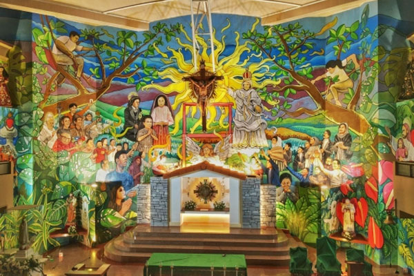 Biggest altar mural in PH / Rappler