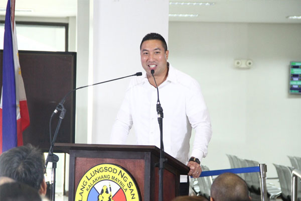 San Juan City Mayor Francis Zamora