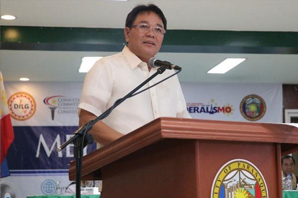 Para%uFFFDaque City Mayor Edwin Olivarez / Paranaque PIO