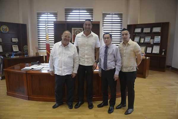 San Juan Mayor Francis Zamora with Ka Jun Santos, INC General Auditor and Ka GP Santos, INC Legal Affairs Head