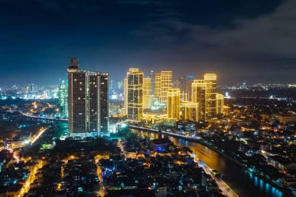 Metro Manila cityscape /dreamstime