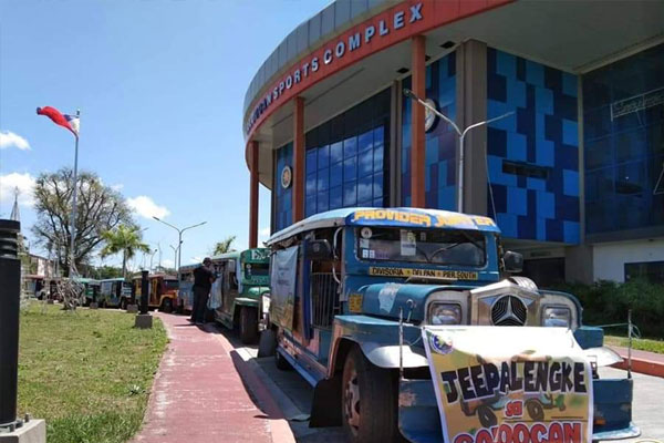 Some seven jeepneys  which are part of the JEEPALENGKE sa Caloocan prepare to roll to the different venues to sell various agricultural products amd the Enhanced Community Quarantine being implemented in Luzon due to COVID-19 crisis. (Photo courtesy of Caloocan PIO)
