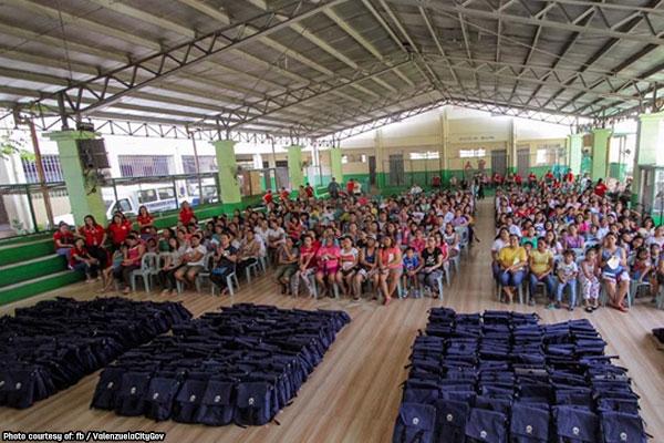 Valenzuela kids to receive Balik Eskwela 2019 packages