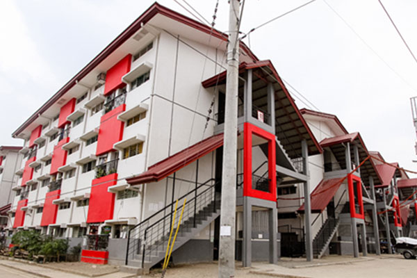 True to its tagline, Valenzuela City continues to provide relief to Disiplina Village residents by passing an ordinance on rental payment moratorium during the ECQ / Valenzuela PIO