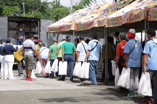 Photo Courtesy of Caloocan City Mayor Oscar Malapitan Facebook page