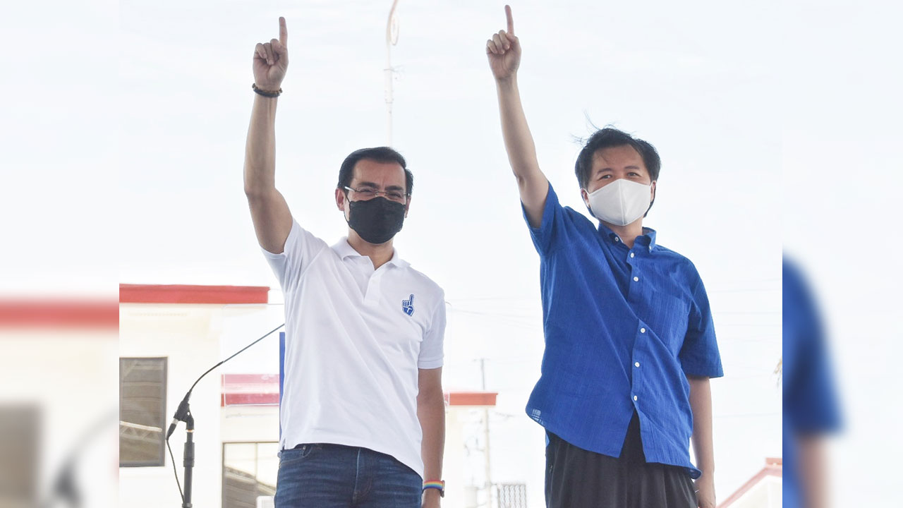 Manila Mayor Francisco Isko Moreno Domagoso throws his hat into the 2022 presidential race, with Dr. Willie Ong as his running mate. Moreno made the formal announcement on Wednesday (Sept. 22, 2021) at the Baseco Housing project of the City of Manila. (Photo courtesy of Manila PIO)