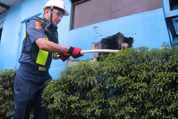 NCRPO Regional Director PMGEN GUILLERMO LORENZO T ELEAZAR personally initiated the demolition of Community Police Assistance Center of Police Community Precint 4, Malabon City Police Station located