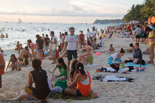 More tourists visiting PH %u2013 DOT report