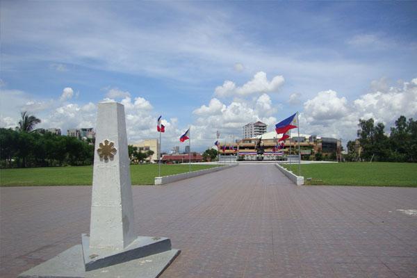 Pinaglabanan Shrine / Wikipedia