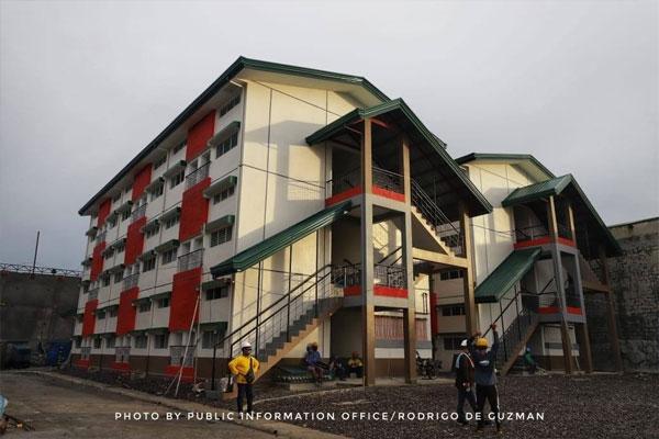 Valenzuela Disiplina Village / PIO Valenzuela